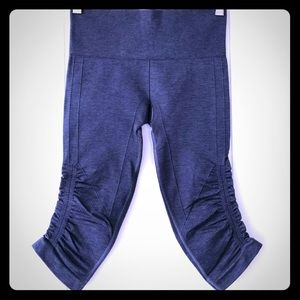 Lululemon Navy Blue Yoga Leggings Crops Size 4